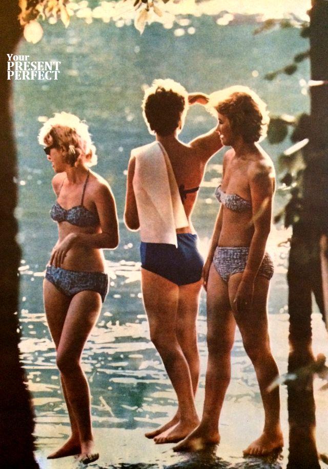 Фото СССР 1969 год. Девушки на озере. Журнал Украiна