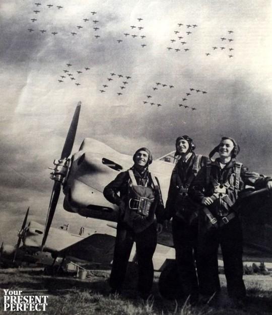 Летчики. СЛАВА КПСС. 1955.